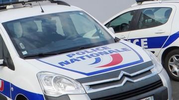 """Francja: policjanci zastrzelili nożownika. Krzyczał """"Allah Akbar"""""""