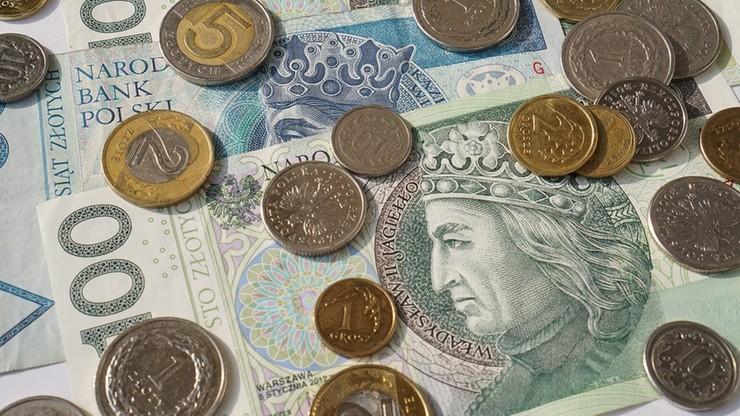 Lęk przed ekonomicznymi skutkami pandemii zniechęca Polaków do zaciągania kredytów