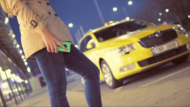 Taksówkarze zobowiązani do ochrony pasażerek w nocy. Nowe przepisy w hiszpańskim Vigo