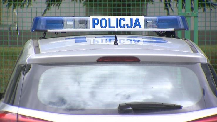 Małopolska: syn znalazł w domu ciała rodziców. Mieli podcięte gardła