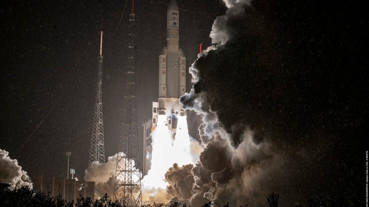 """Francja umieściła na orbicie wojskowego satelitę. """"Klejnot technologii"""""""