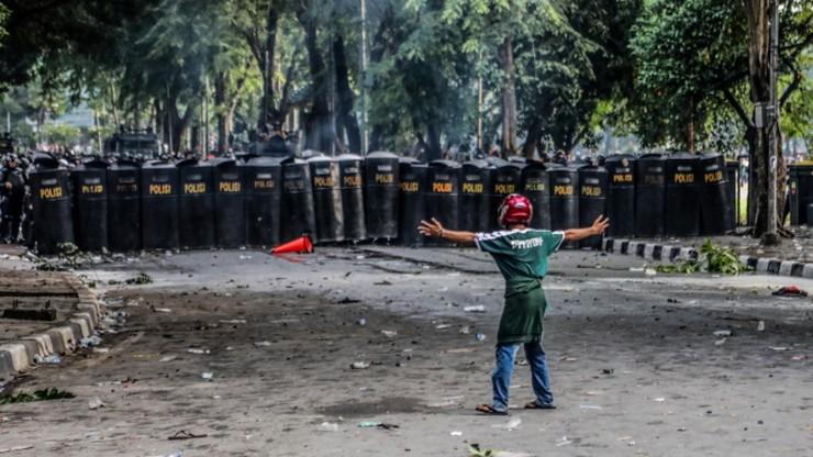 """Fala protestów przeciw """"prokorupcyjnej"""" reformie kodeksu karnego w Indonezji"""