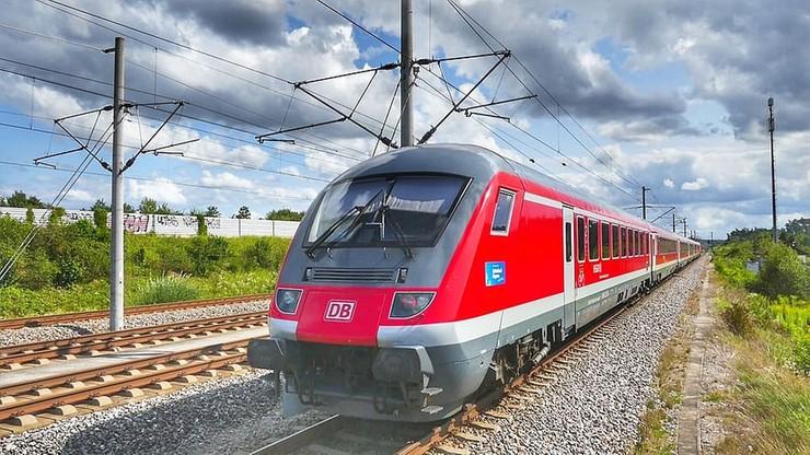 Niemcy. Obraz wart ponad 100 tys. zł w pociągu między siedzeniami. Zniknął, gdy właściciel spał