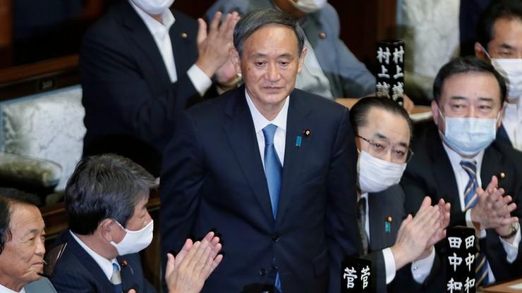 Yoshihige Suga nowym premierem Japonii