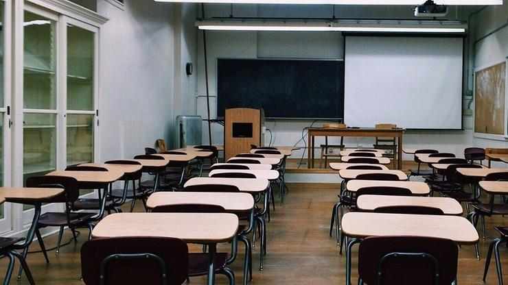 Kuratoria szukają nauczycieli. Pojawiły się tysiące ogłoszeń