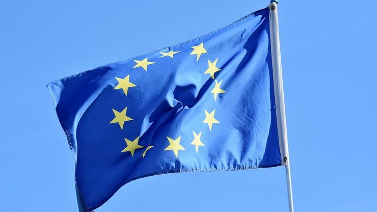 CBOS: 72 proc. badanych uważa, że wyjście Polski z UE nie jest obecnie realne