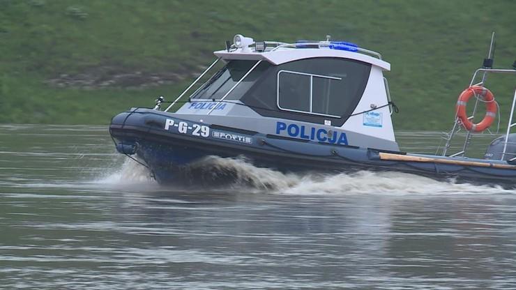 Policja poszukuje sprawców ataku na plaży w podkrakowskim Kryspinowie