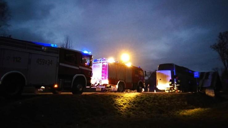 Pożar autokaru z prawie 60 dziećmi, nie ma ofiar