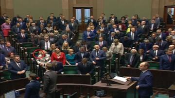 Sejm minutą ciszy uczcił Piotra Szczęsnego. Jedynie Krystyna Pawłowicz nie wstała z miejsca