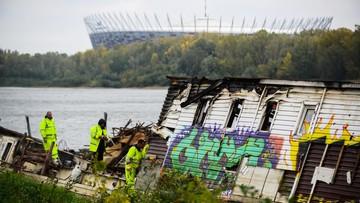 Ponad 116 tys. zł ma kosztować usunięcie barki spod mostu w stolicy