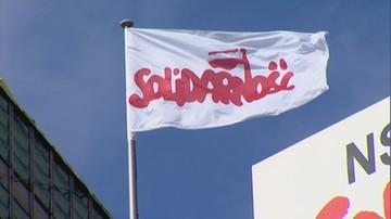 """Gdańsk: """"Solidarność"""" wpuści wszystkich chętnych pod pomnik stoczniowców. Jest zgoda z miastem i ECS"""