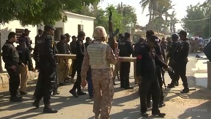 Wybuch bomby na pakistańskim targu i atak na konsulat Chin