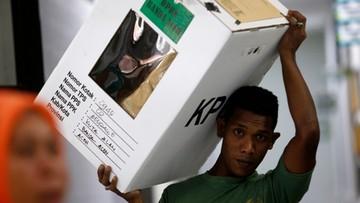 Indonezja: 92 członków komisji wyborczych zmarło z przemęczenia