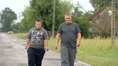 Opiekuje się niepełnosprawnym bratem. Piorun zniszczył im dom