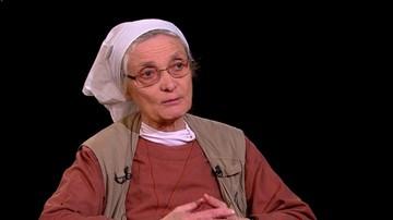 """""""Ustawa mówi, że za przyjęcie człowieka bezdomnego do schroniska grozi kara 20 tys. zł"""". Siostra Chmielewska w programie """"Tło"""""""