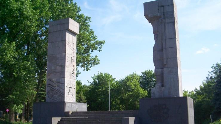 Olsztyn: nie będzie dochodzenia ws. pomalowania pomnika wdzięczności Armii Czerwonej