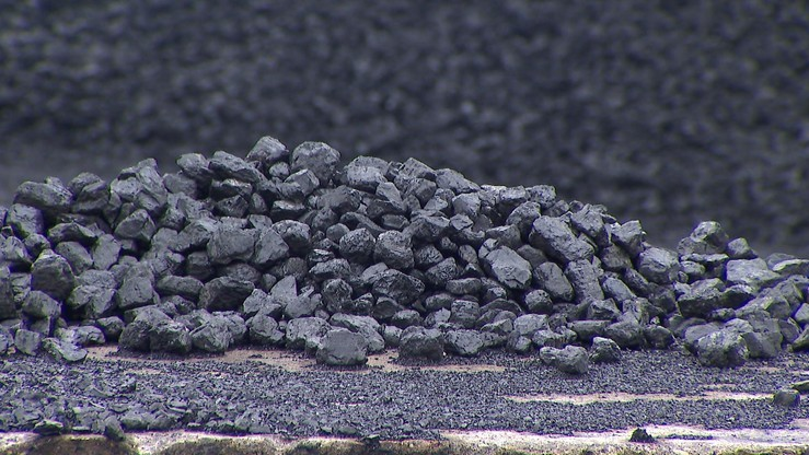 """""""Abonament węglowy"""" może być doliczany do rachunku za prąd. Nowy pomysł Ministerstwa Energii"""