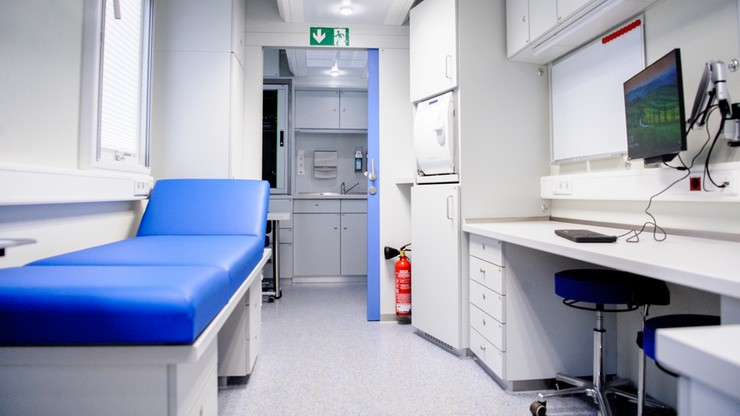Zagrożenie koronawirusem. Krajowy konsultant ds. chorób zakaźnych wydał zalecenia
