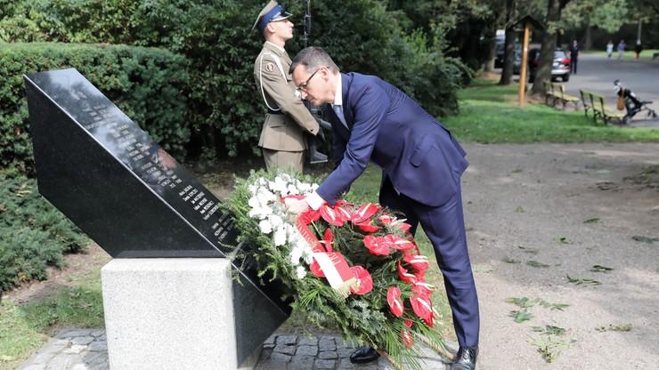 17 lat po zamachu na World Trade Center. Wieńce od prezydenta i premiera przed pomnikiem Polaków