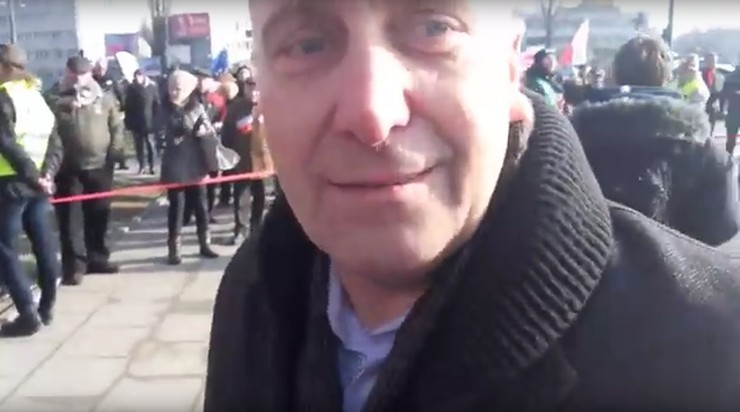 Grzegorz Schetyna na marszu KOD-u miał uderzyć  dziennikarza. Jest śledztwo