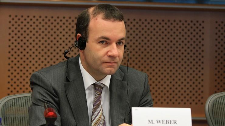 """Szef europarlamentarnej frakcji apeluje do KE o """"przestrzeganie czerwonych linii"""" w sporze z Polską"""