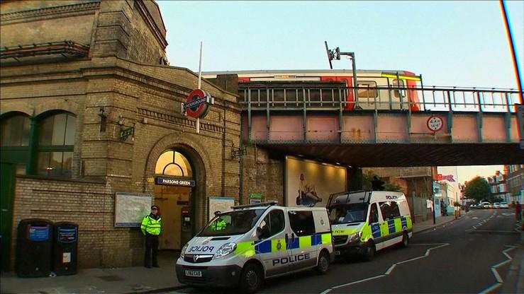 Trzej podejrzani ws. zamachu na metro w Londynie zwolnieni z aresztu