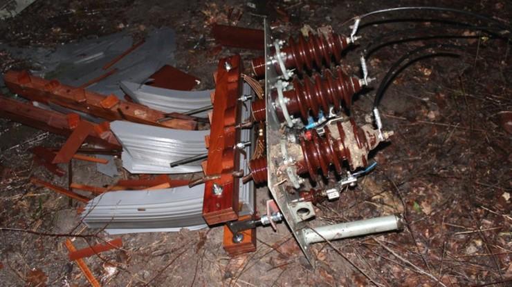 Zniszczyli kilka transformatorów energetycznych. Kradli z nich miedziane uzwojenia