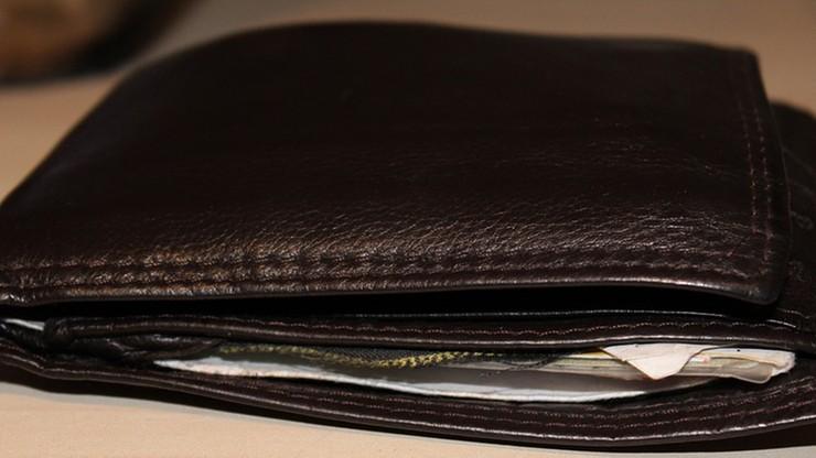 KRD: najbardziej zadłużona osoba musiałaby pracować 1198 lat, by spłacić swój dług