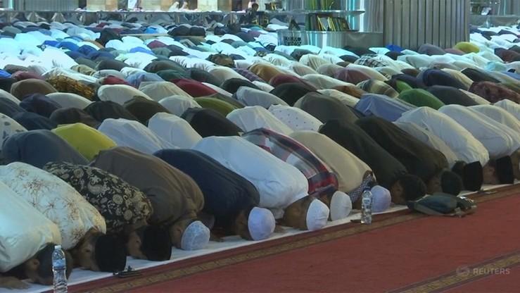 Polscy wyznawcy islamu rozpoczęli Ramadan. 25 tys. muzułmanów będzie pościć przez miesiąc