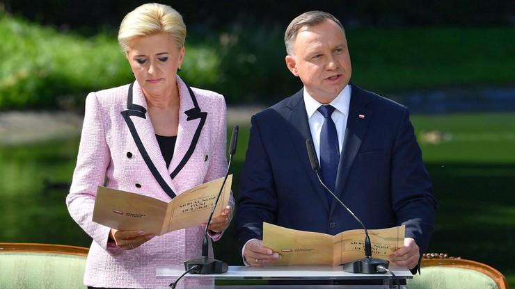 Warszawa. 10. Narodowe Czytanie z udziałem pary prezydenckiej