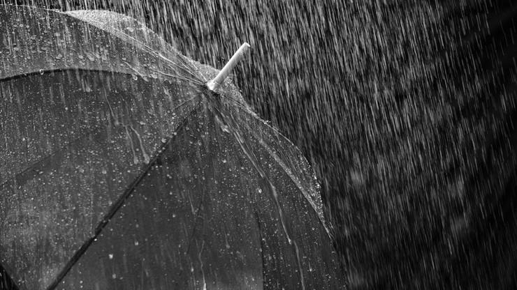 W tych regionach przydadzą się parasole. Pogoda na środę