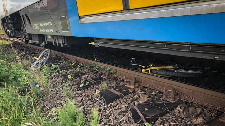 Nastolatek wjechał na rowerze pod pociąg. Wypadek na przejeździe kolejowym