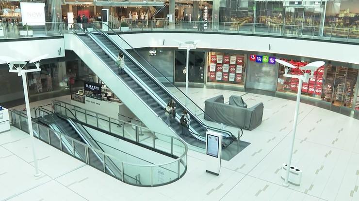 Centra handlowe, muzea i galerie sztuki otwarte