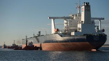 Supertankowiec wpłynął do Gdańska