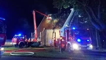 Pożar zabytkowego kościoła w Orłowie. Spłonęła większość dachu
