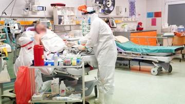 Trzecia fala widoczna w szpitalach. Zapełniają się kolejne łóżka