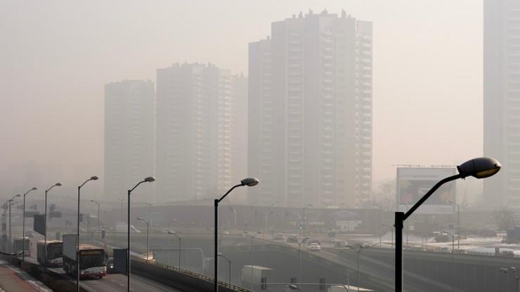 Smog nie daje za wygraną. Fatalna jakość powietrza w woj. śląskim i świętokrzyskim