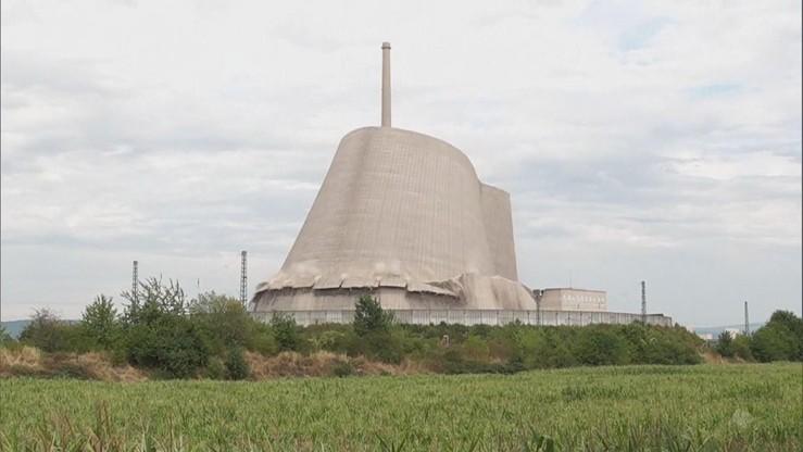 Niemcy: zburzono wieżę elektrowni jądrowej. Działała niewiele ponad rok [WIDEO]