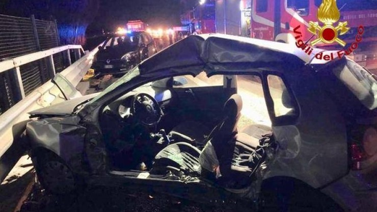 Zginął Polak, 10 osób rannych. Na autostradę A1 we Włoszech wbiegło stado dzików