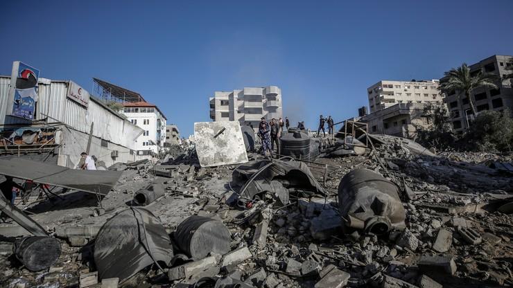Ataki w Strefie Gazy. Wśród ofiar 10-cio osobowa rodzina