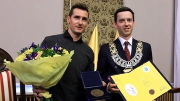 """Słynny piłkarz Miroslav Klose został honorowym obywatelem Opola. """"Pamiętam, że tu się urodziłem"""""""
