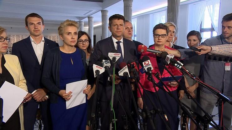 """Nowoczesna proponuje utworzenie w parlamencie federacji klubów i kół opozycji. """"To odpowiedź na apel Wałęsy i Frasyniuka"""""""