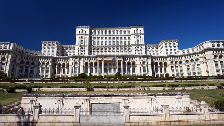 Parlament Rumunii za małżeństwem jako związkiem kobiety i mężczyzny