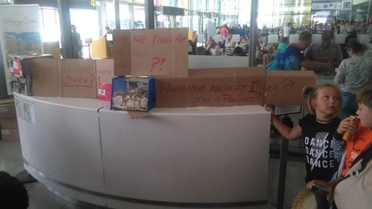 """Około 200 polskich turystów uwięzionych na lotnisku w Bułgarii. """"Biuro podróży umywa ręce"""""""