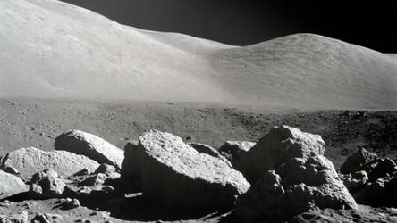 Hel-3 w próbkach chińskich skał z Księżyca. Chiny zbudują potężne reaktory termojądrowe