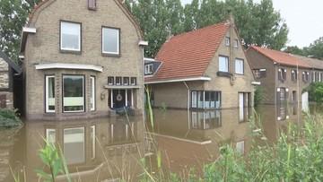 Szabrownicy przeszukują zalane domy w Holandii