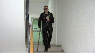 Symulator starości. Studenci w Szczecinie mogą poczuć, co to znaczy być seniorem