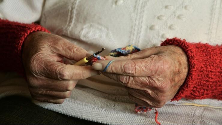 Kobieta dostaje 31 groszy emerytury
