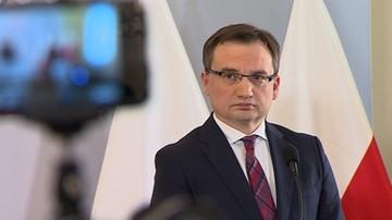 """Ziobro pyta Trybunał Konstytucyjny  o przepisy unijne. Eksperci: """"to krok w stronę polexitu"""""""