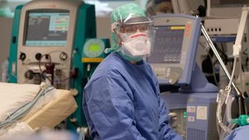 """103-letnia pacjentka wyleczona z koronawirusa. """"Tchnienie nadziei"""""""